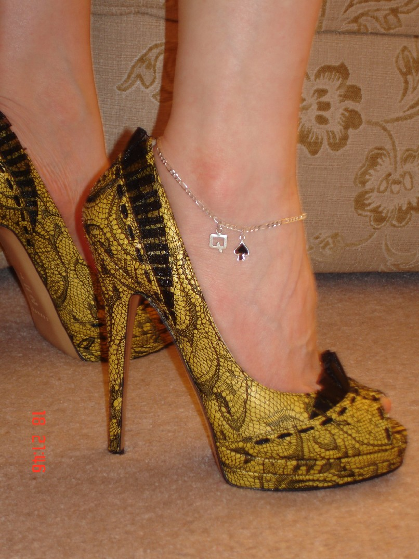 Swinger anklets