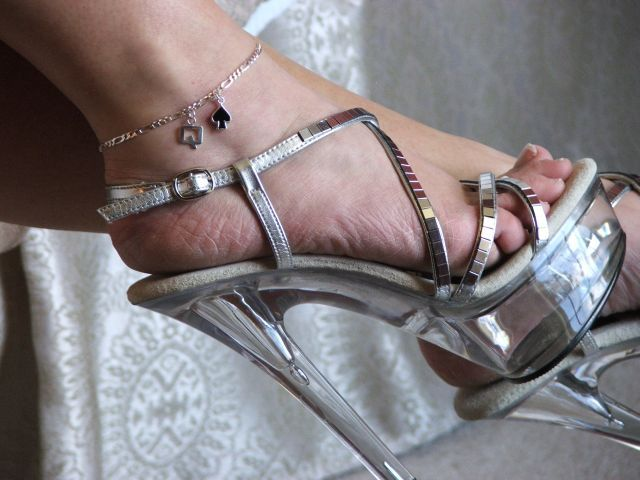 Anklet swinger